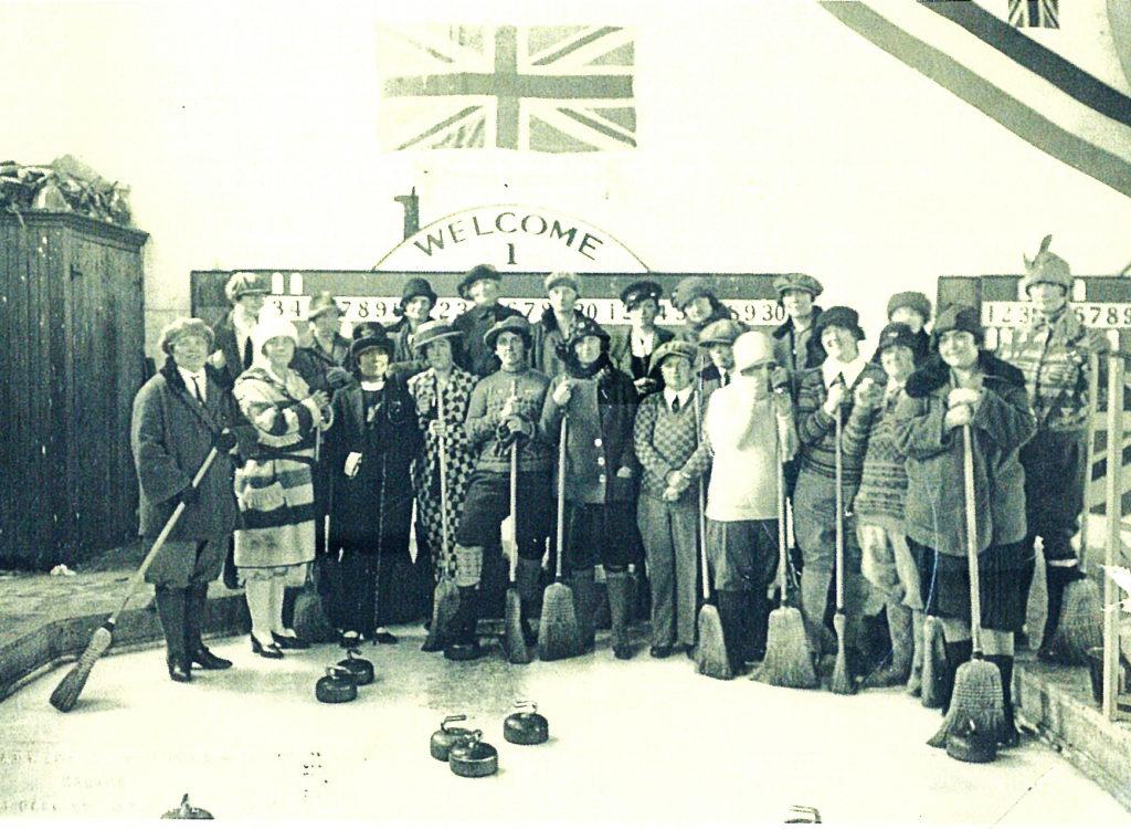 Women's Curling 1920's DW